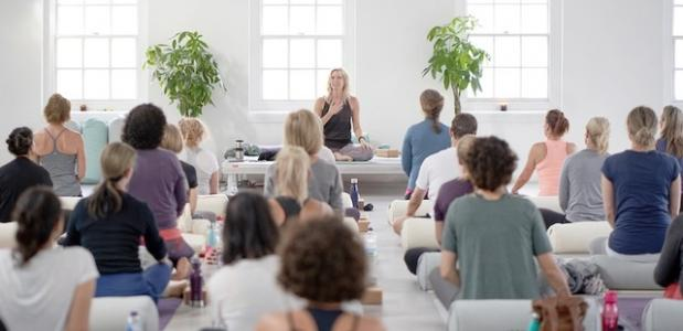 goede doel yoga because we carry weesp