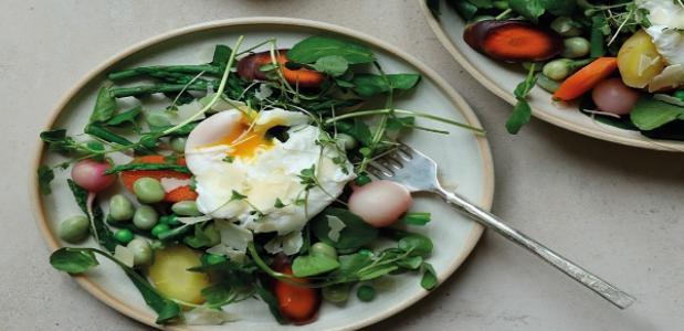 gestoomde voorjaars groente easy salad