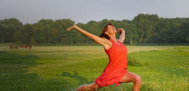 isolde zandee buiten yoga elementen workshop