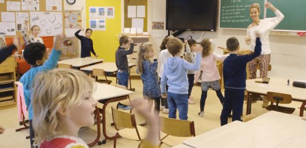 Friese schoolkinderen beter in hun vel door yoga en meditatie