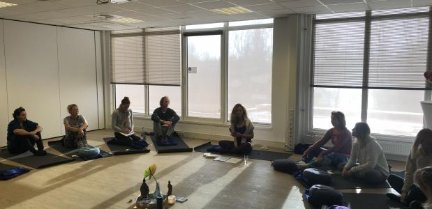 Review! ONE DAY YOGA RETREAT ,