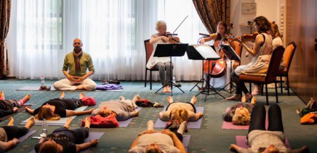 Foto Yoga in Concert: Oranjewoud Festival