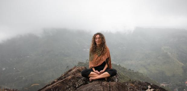 TED-Talk: 90% van yoga doe je naast de mat