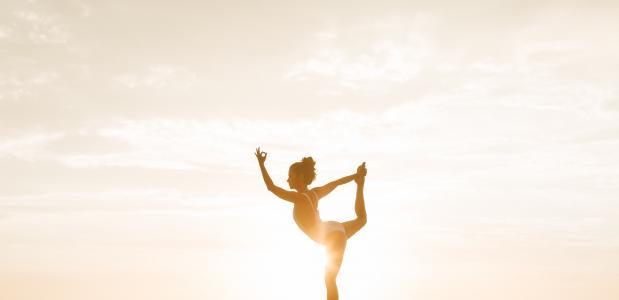 Voordelen van dansen naast yoga