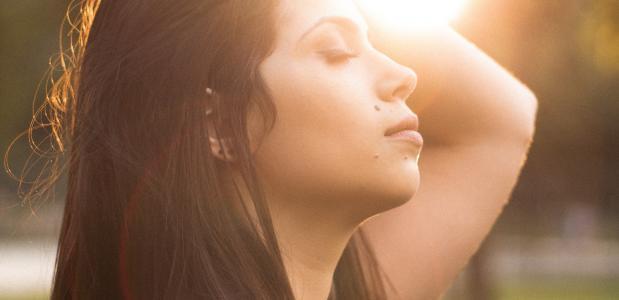 5 ademhalingsoefeningen bij stress, paniek of angst