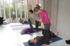 Oona Giesen: Hatha yoga met Iyengar basis