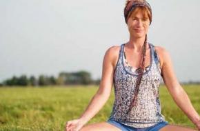 Yoga- en meditatiedocent Isolde Zandee