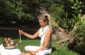 Ellen Koot Rhe-set yoga & klankschalen