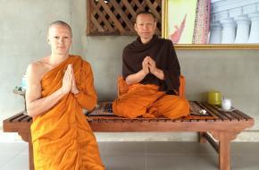 Niels de Stürler Boekwijt en zijn leraar Pra Thanadith