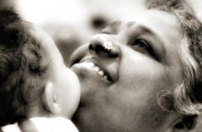 Amma omhelst een kind