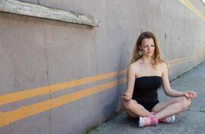 5 yogaposes om de pijn in je onderrug te verlichten