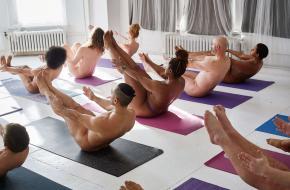 naaktyoga, trend, yoga, bevrijdend