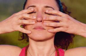 preview linkerneusgat yoga tijdschrift