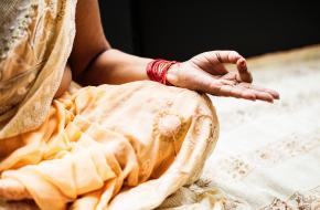 meditatie yoga india universiteit