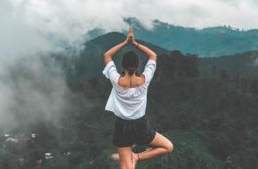 Buiten yoga voordelen
