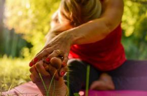 Pijn bij Yoga? Foto Sofie Zborilova via Pixabay (Creative Commons)